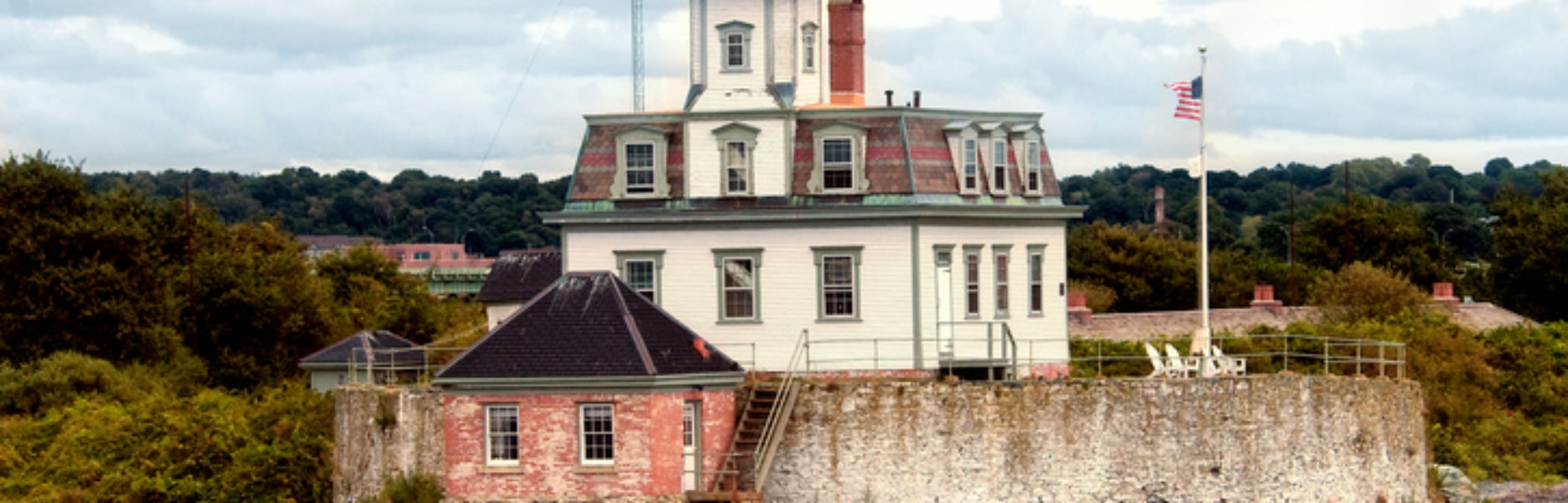 Newport, RI Harbor Sights: Spotlight on Rose Island